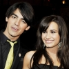 Demi és Joe legjobb barátok?