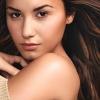 """Demi Lovato: """"A vágásaim olyanok, mint a harci sebek"""""""