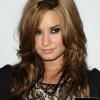 Demi Lovato keményen üt