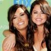 Demi Lovato Selena Gomezzel járt a rehabon
