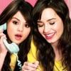 Demi Lovatót Selena Gomez támogatta