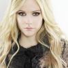 Döbbenetes hasonlóság! Avril Lavigne le sem tagadhatná a húgát