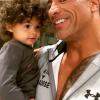 Dwayne Johnsonnál nincs cukibb apuka: így festi kislánya körmét