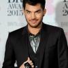 Adam Lambert cikinek érzi, ahogy öltözködött