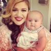 Egy pillanatra sem tévesztheti szem elől kislányát Kelly Clarkson! Tudd meg, miért!