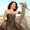 Elárverezik Selena Gomez klipbeli ruháját