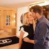 Hatalmas portréval lepte meg szerelmét Paris Hilton