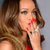 Elfedték Rihanna félmeztelen testét az írek