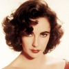 Elhunyt Elizabeth Taylor