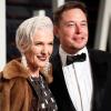 Elon Musk 71 éves, modell édesanyja megmutatta esti szépségrutinját