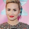 Eltörte a lábát Demi Lovato