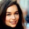 Emilia Clarke tudta nélkül politizál