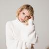 Emma Roberts megmutatta babapocakját, születendő gyereke nemét is elárulta