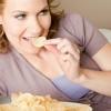 Fehérjedús reggelivel előzhető meg a nassolás