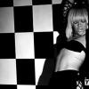 Fekete-fehér klippel jelentkezik Rihanna