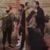 Félmeztelenül, b*zizva verekedett Zayn egy bár előtt – videó!