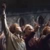 """Feltartott """"varázspálcákkal"""" tisztelegtek Alan Rickman előtt az orlandói Universal Stúdióban"""