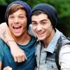 Füvezésen kapták a One Direction tagjait - videó