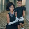 Hajléktalanoknak osztott ételt Kim Kardashian lányával