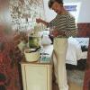 Harry Styles rajongója szobájában várta meg az autószerelőt