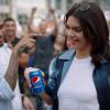 Hatalmas botrányt okozott Kendall Jenner szereplése a Pepsi reklámban