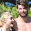 Hawaiin meztelenkedett Miley Cyrus - fotók
