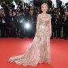 Helen Mirren rózsaszín hajjal pompázott Cannes-ban