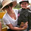 Hilary Duff kisfia az iskolában tudta meg, hogy édesanyja híres