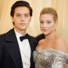 Hivatalosan is felvállalta kapcsolatát Lili Reinhart és Cole Sprouse