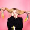 Hosszú idő után visszatért Avril Lavigne: itt a Flames
