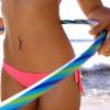 Hozd magad bikiniformába: hulahoppkarikázz!