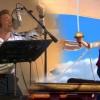 Így énekel Tom Hiddleston - videó
