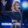 Így gyakorolt Taylor Swift, hogy hihető legyen férfijelmezben