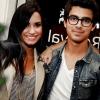 Demi Lovato meglepte Joe Jonast évfordulójuk alkalmából