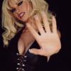 Így változott Pamela Andersonná Lily James
