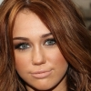 Íme Miley Cyrus menyasszonyi ruhatervei