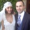 Iniesta összeházasodott kedvesével