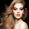 Ismét az olasz Vogue címlapján pózol Axente Vanessa