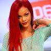 Ismét vörös lett Rihanna