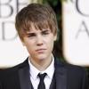Justin Bieber újraértelmezi a Mikulásgyárat új klipjében