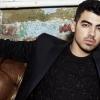 Joe Jonas elárulta, melyik híres barátnője kedvéért vált meg tisztasággyűrűjétől és szüzességétől