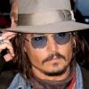 Johnny Depp megválik kalapjaitól