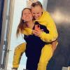 JoJo Siwa sugárzik barátnője mellett: smárolós képek jelentek meg a párról
