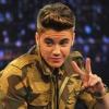 Justin Bieber ismeretlen lánnyal csókolózott