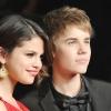 Justin Bieber gyűrűt ajándékozott Selena Gomeznek
