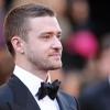 Justin Timberlake katonákkal bálozott