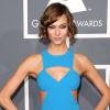 Karlie Kloss túl híres a divatbemutatókhoz