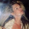 Kate Moss smink nélkül pózol