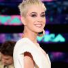 Katy Perry babát vár, és megmutatta pocakját!