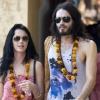 Katy Perry hivatalosan is feleség lett
